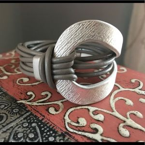 Jewelry - Unique silver and grey bracelet